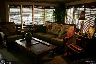 Tommy Bahama Living room