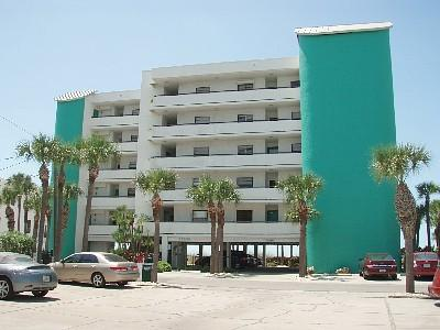 Chambre beach front condo fl rental for Chambre condos madeira beach florida