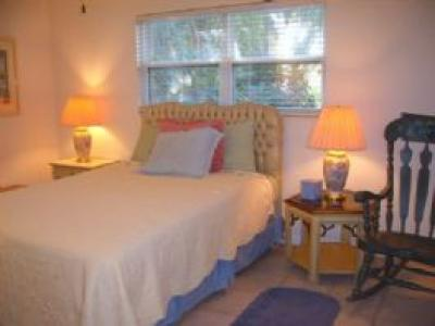 Yellow Flower Beach House For Rent Florida Gulf Vacation